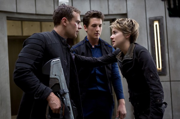 Insurgent, review, movie, entertainment, hollywood, รีวิว, ภาพยนตร์, หนัง, พันทิป, pantip, คนกบฏโลก