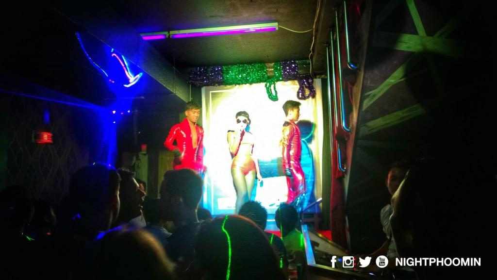 bali gay bar 3