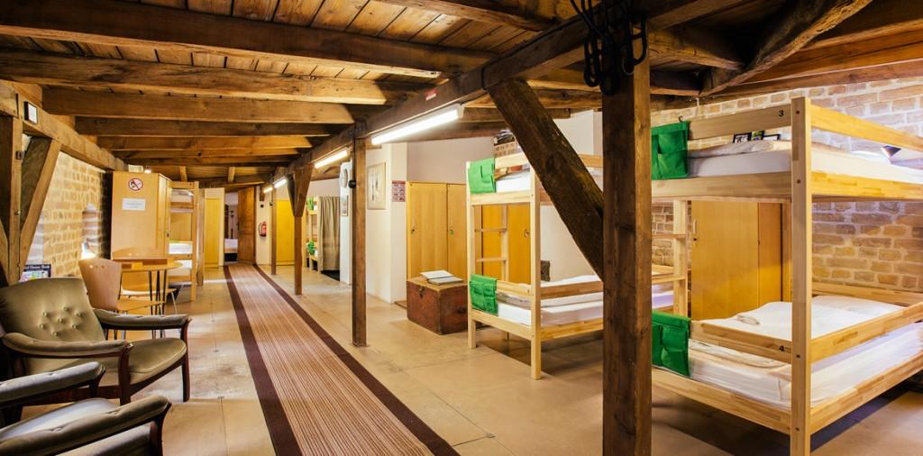 hostel-bed