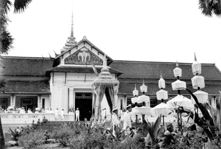 funeral ceremony laos king 11