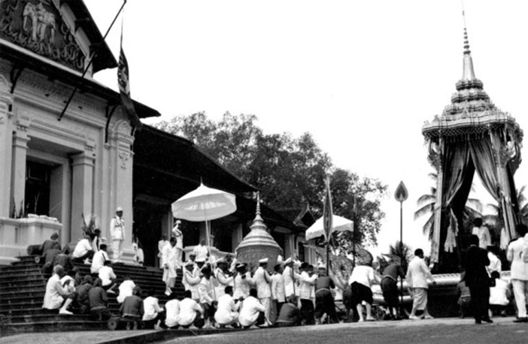 funeral ceremony laos king 14