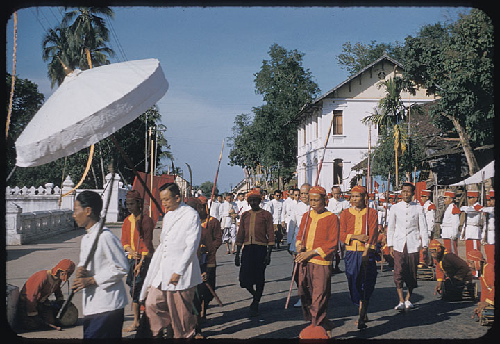 funeral ceremony laos king 16