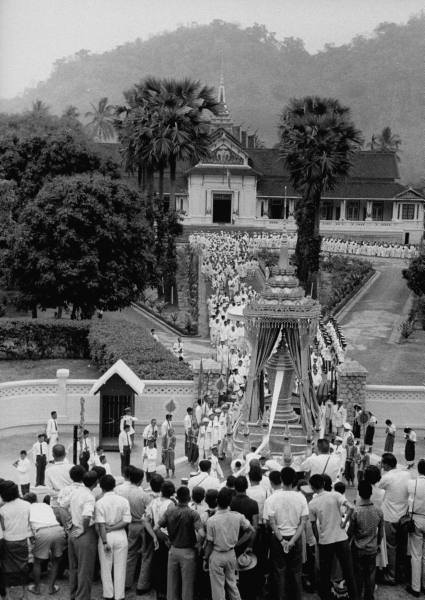 funeral ceremony laos king 6