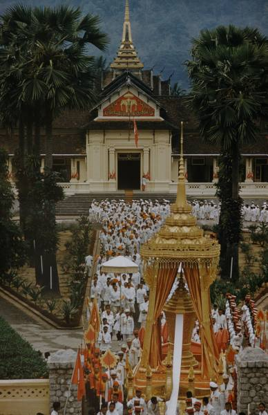 funeral ceremony laos king 9